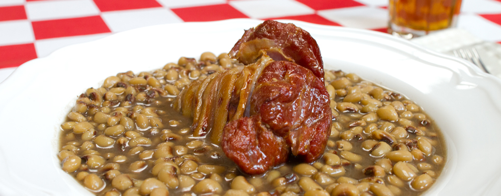Ham Hocks in Beans – Slow-cooked for ultimate flavor.